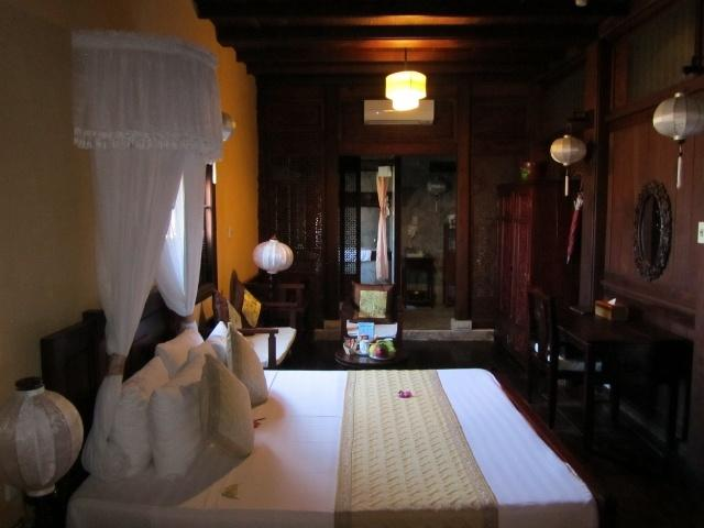Downstairs Room, Vinh Hung Merchant House