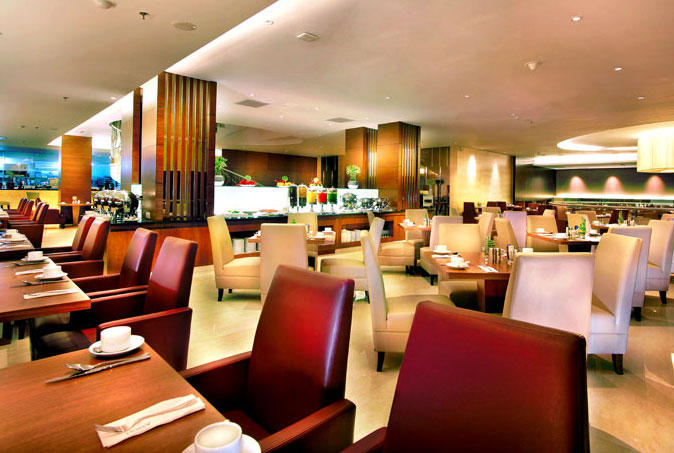 Olympus Restaurant, Aston Makassar Hotel & Convention Center