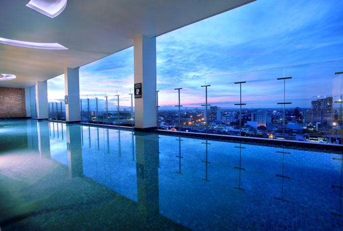 Swimming pool, Aston Makassar Hotel & Convention Center