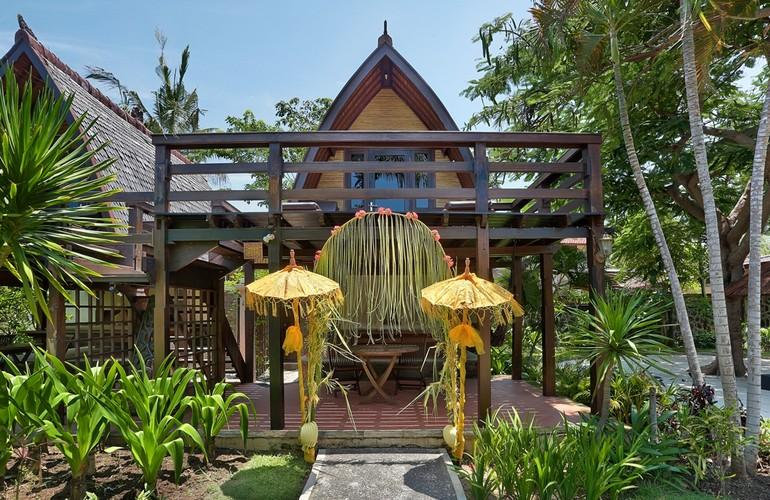Traditional Lumbung Hut, Hotel Vila Ombak