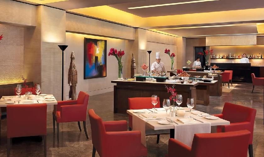 Fenix Restaurant, The Oberoi