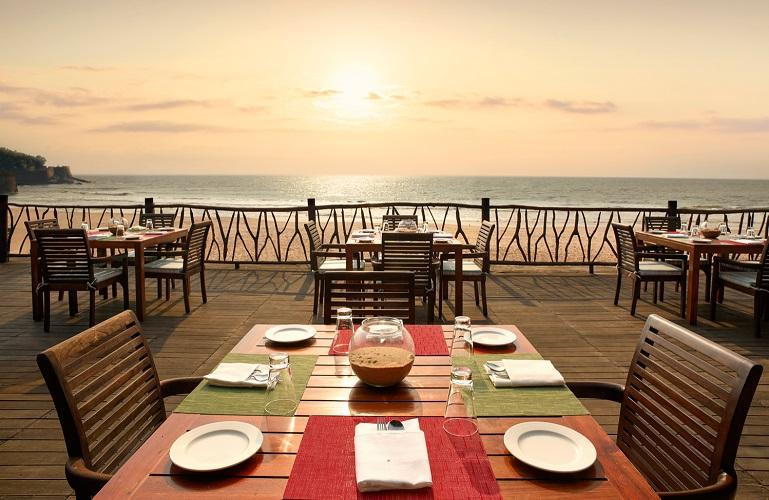 Caravela Restaurant, Taj Holiday Village