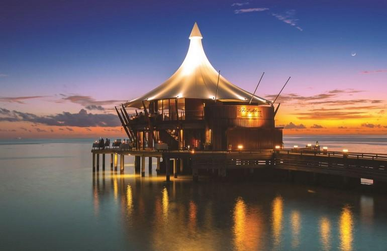 Lighthouse Restaurant, Baros Maldives