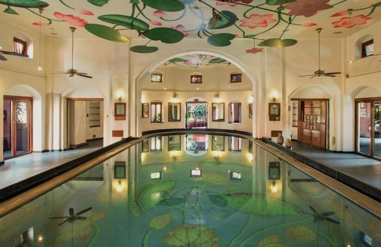 Swimming Pool, The House of MG