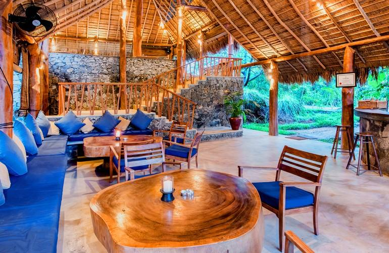 Lounge, Gal Oya Lodge