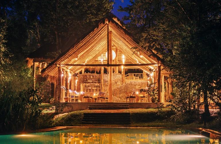 Gal Oya Lodge at night