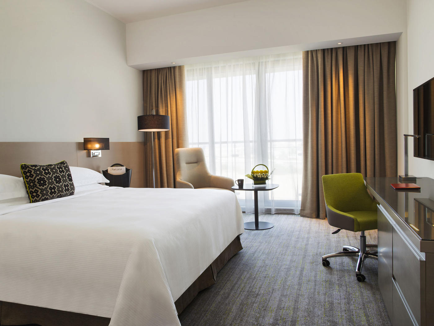 Classic King Room, Novotel Muscat Airport