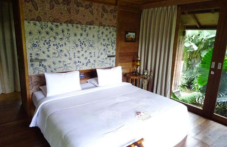 Bedroom, Sanak Retreat